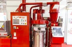 Máquina de reciclagem vermelha Fotografia de Stock