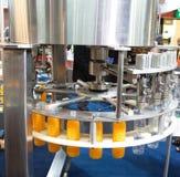 Máquina de rellenar del agua Imagen de archivo libre de regalías