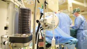 Máquina de respiração do ventilador da anestesia na cirurgia filme