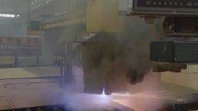 Máquina de soldadura automática do laser no estaleiro filme
