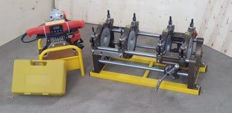 Máquina de soldadura da tubulação do hdpe da operação de Munal fotografia de stock royalty free