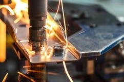 Máquina de soldadura do ponto, parte automotivo em uma fábrica do carro Imagem de Stock