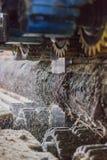 Máquina de trabajo del madera-corte imagen de archivo