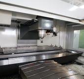 Máquina de trituração do CNC (controlado numérico do computador) Imagens de Stock Royalty Free
