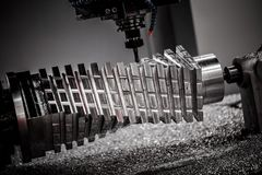Máquina de trituração metalúrgica do CNC Imagem de Stock Royalty Free