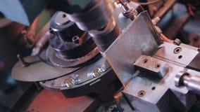 Máquina de trituração metalúrgica do CNC Tecnologia de processamento moderna do metal do corte filme