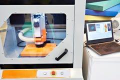 Máquina de trituração para as palmilhas ortopédicas imagem de stock