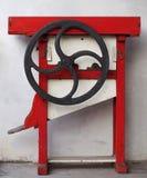 Máquina del desgranador del maíz del vintage con la manivela imagen de archivo libre de regalías