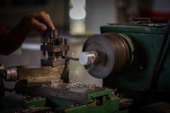 Máquina del torno en un taller Imágenes de archivo libres de regalías