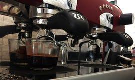 Máquina do café na cafetaria Fotos de Stock Royalty Free