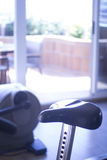 Máquina do ciclo do exercício da bicicleta do Gym Fotos de Stock
