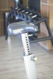 Máquina do ciclo do exercício da bicicleta do Gym Fotografia de Stock