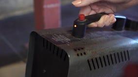 Máquina do fumo na ação vídeos de arquivo