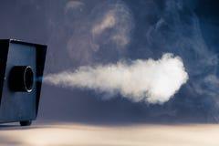 Máquina do fumo na ação Foto de Stock