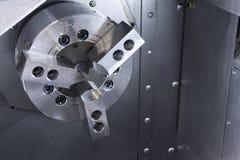 A máquina do lath do CNC, fim até o estoque principal do lath do CNC fotos de stock