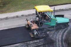 Máquina do paver do asfalto ou estação de acabamento do paver fotos de stock