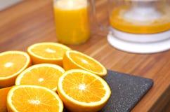 Máquina do suco de fruto Fotografia de Stock