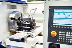 Máquina do torno do CNC foto de stock