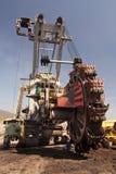 A máquina escavadora em opencast foto de stock royalty free