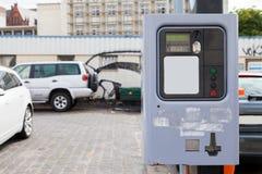 Máquina expendedora alemana de la multa de aparcamiento imagenes de archivo