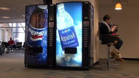 Máquina expendedora, soda, refrescos, colas metrajes