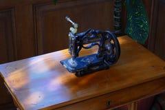 Máquina histórica del oscilación de la mano Imagen de archivo