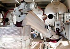 Máquina moderna para la producción de vino Foto de archivo