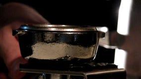 Máquina moderna para los granos de café de pulido metrajes