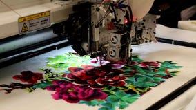 Máquina para los modelos de la materia textil del bordado almacen de video