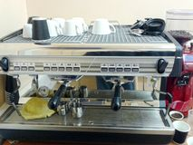 Máquina profesional del café del cuerno Foto de archivo libre de regalías