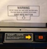 Máquina que registra y cuenta los votos emitidos moderno Imágenes de archivo libres de regalías