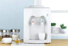 Máquina quente e fria da água bebendo imagem de stock royalty free