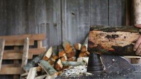 Máquina slo-MES de Woodcutting almacen de metraje de vídeo