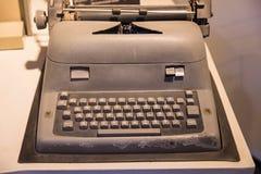 Máquina velha da máquina de escrever do vintage foto de stock royalty free