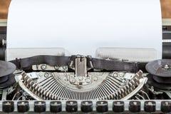 Máquina vieja de la máquina de escribir de la antigüedad del vintage Fotografía de archivo libre de regalías