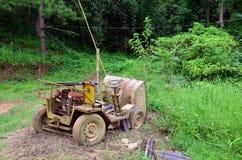 Máquina vieja quebrada para el emplazamiento de la obra Foto de archivo libre de regalías