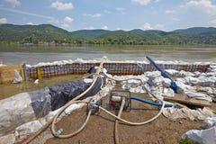 Máquinas de bombeamento da água Fotografia de Stock