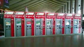 Máquinas de Trenitalia fotos de stock