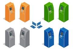 Máquinas do Atm Pagamento usando o cartão de crédito Depositando o dinheiro da finança Ilustração isométrica do vetor para o info Imagem de Stock