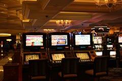 Máquinas tragaperras del casino Fotografía de archivo libre de regalías