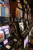 Máquinas tragaperras del casino Fotos de archivo