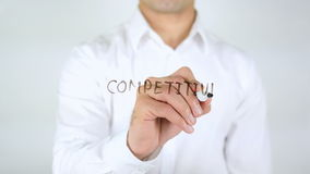 Márketing competitivo, escritura del hombre sobre el vidrio metrajes
