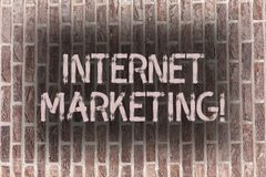 Márketing de Internet del texto de la escritura de la palabra Concepto del negocio para el empresario en línea Entrepreneurship d imagenes de archivo