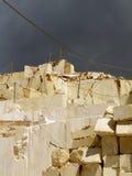 Mármol blanco de la mina Foto de archivo libre de regalías