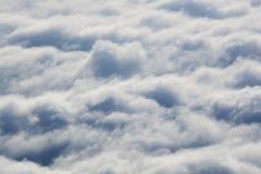 Más arriba que las nubes Sobre las nubes Imagen de archivo