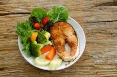 Más plato de pescados es mejor Imagen de archivo libre de regalías