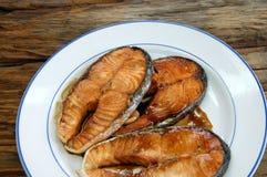 Más plato de pescados es mejor Foto de archivo libre de regalías