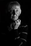Más vieja mujer triste imágenes de archivo libres de regalías