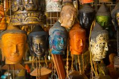 Máscara da Buda, mercado na rua Camboja, Phnom Penh Imagem de Stock