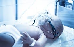 Máscara de oxígeno simulada del niño del bebé del maniquí de la máscara de oxígeno del niño imágenes de archivo libres de regalías